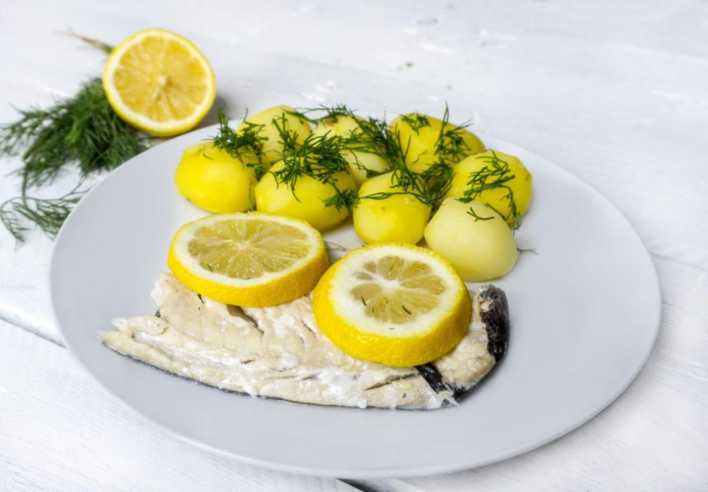 Dorsz pieczony z cytryną